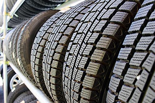 車のタイヤにも使われている丈夫なBRゴム