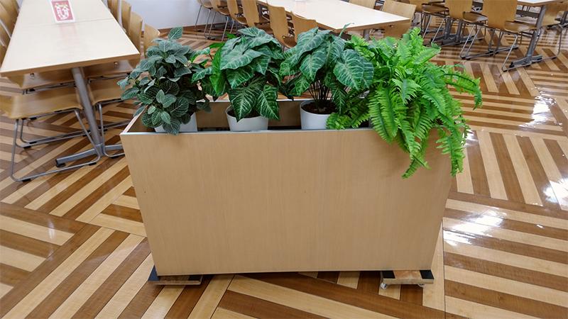 植木を運ぶ台の滑り止め用に
